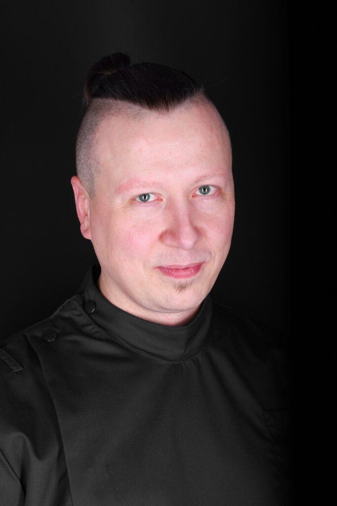Sebastian Bugajski Easy Resize.com - Stomatologia zachowawcza
